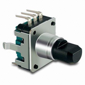 Enkoder 24 impulsy l=15mm z przyciskiem EC12