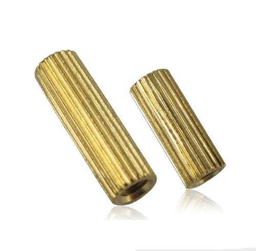10mm Mosiężne z gwintem M2 W/W opak=100 szt
