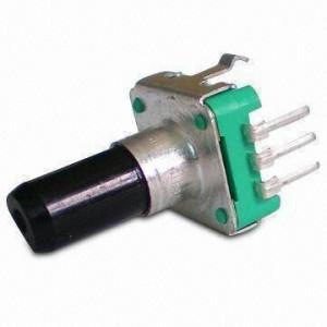 Enkoder 24 impulsy l=20mm z przyciskiem EC12