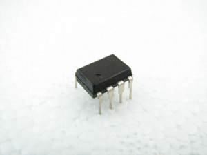24C04 (AT24C04A-10 PU-2.7 ATM)l=50