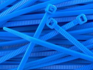 Opaska kablowa 2.5x100mm niebieska opak=100 szt