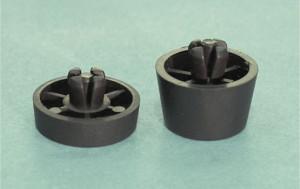 Nóżka z tworzywa czarna 28mm z kołkiem