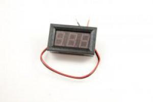 Panelowy woltomierz LED zakres 3V - 30V DC czerwony